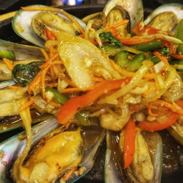 MUSSELS IN CHILI PASTE